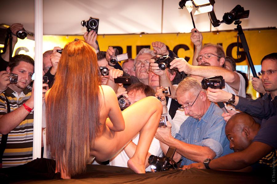 Выставка проституток