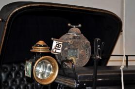 Historic_Taximeter_2015-1200