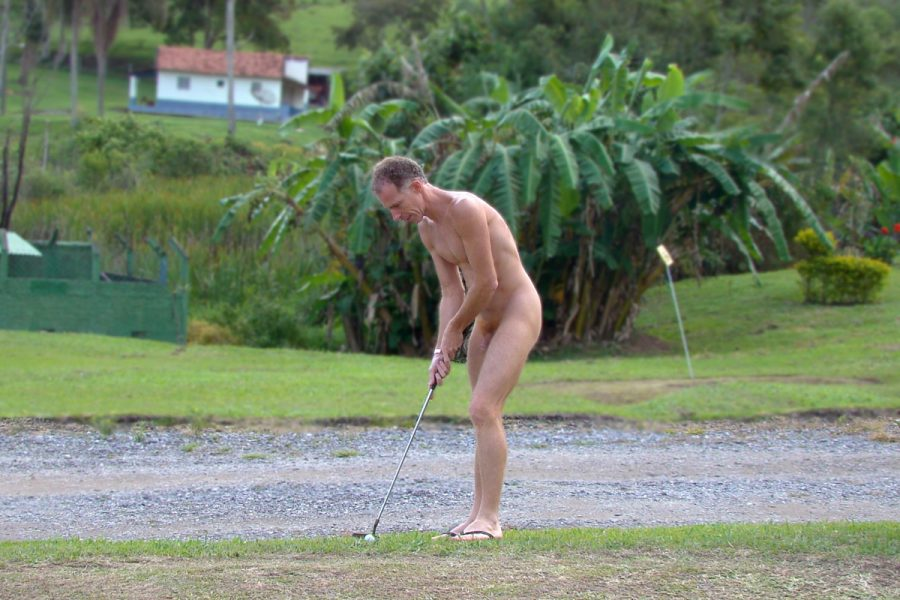 _Golf_nudist_web