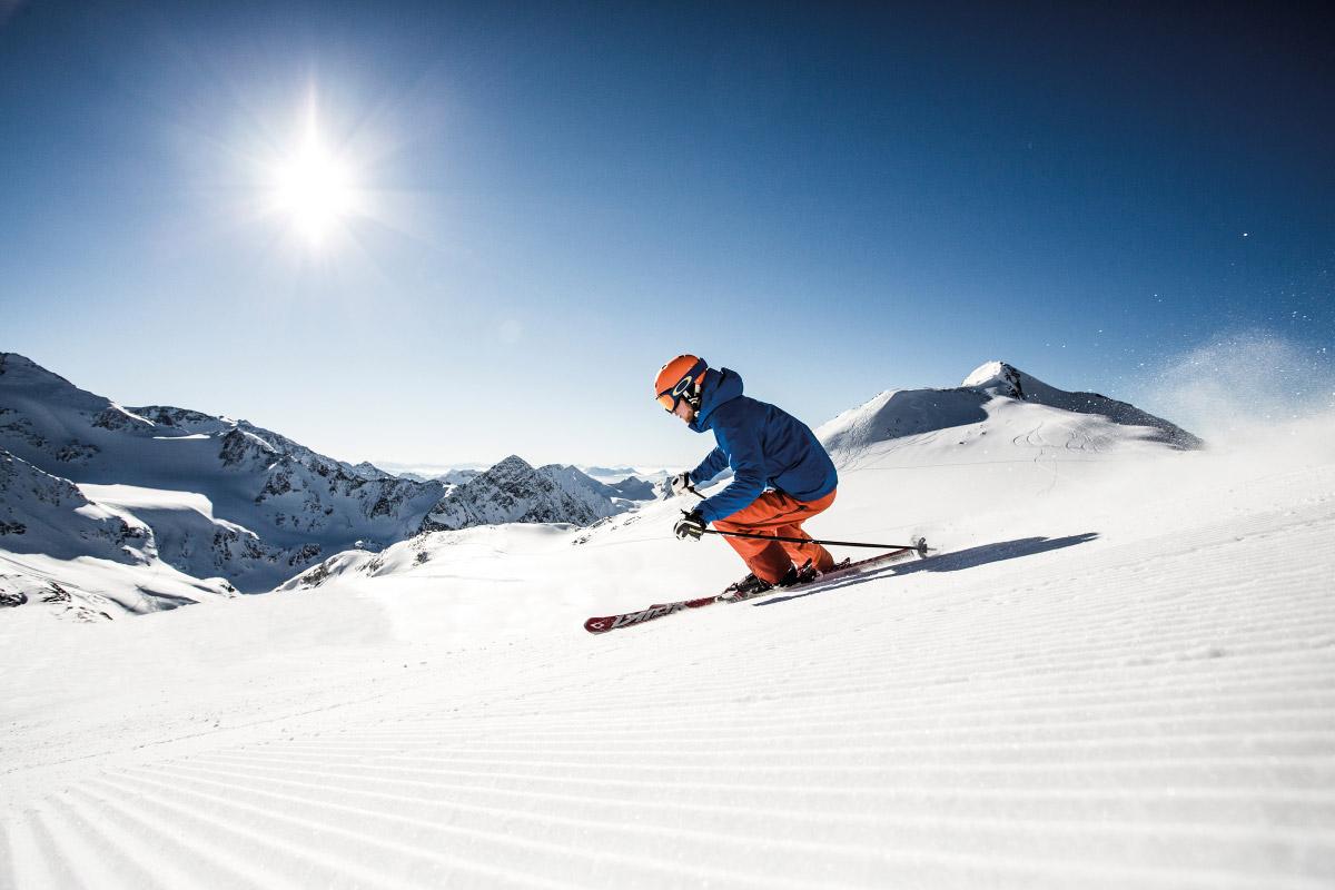 Stubaier-Gletscher_eye-5.at_Christoph-Schoech_Koeniglich-Skifahren-web