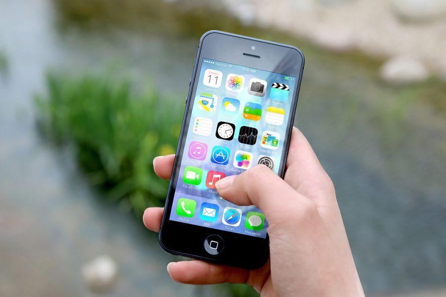hand-smartphone-1200