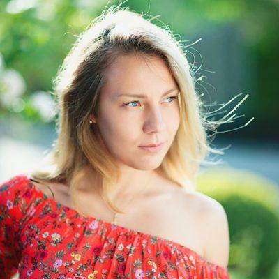 Яна Жаркова