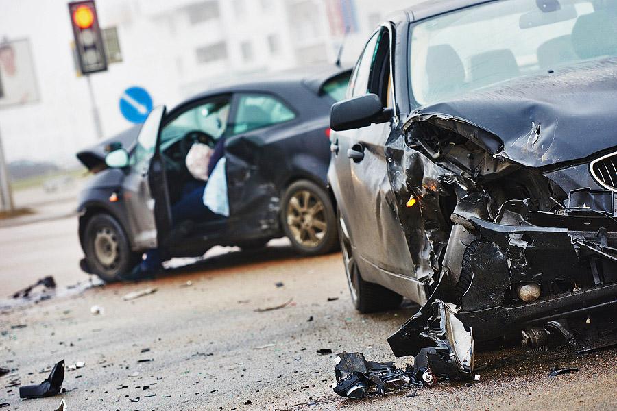 c714fb1c7 На дорогах Германии ежегодно случается более двух с половиной миллионов  аварий. Ущерб автомобилю зачастую бывает очень высоким, не говоря уже о  потерях ...