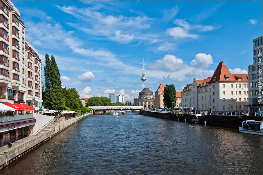 Вид с моста Weidendammbrücke