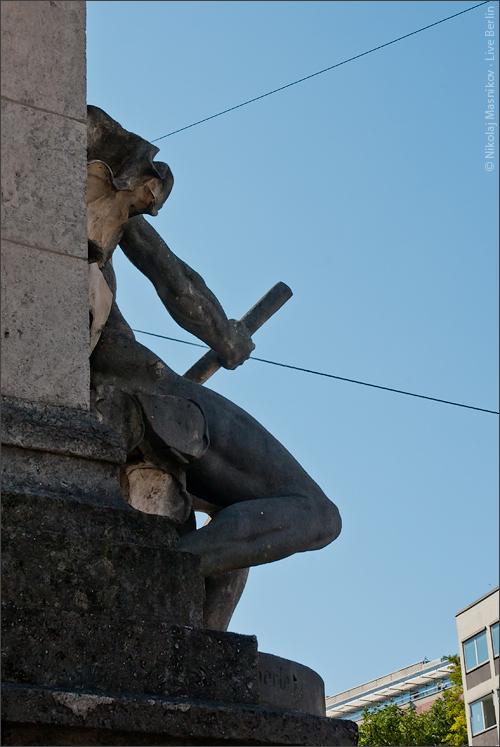 9. Мюнхен напять часов. Ракурс. © LiveBerlin.ru