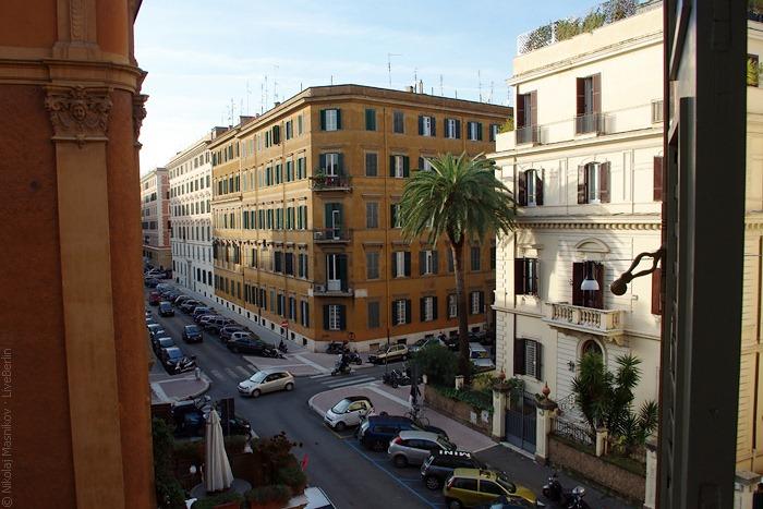 Вид изокна отеля Arcangelo