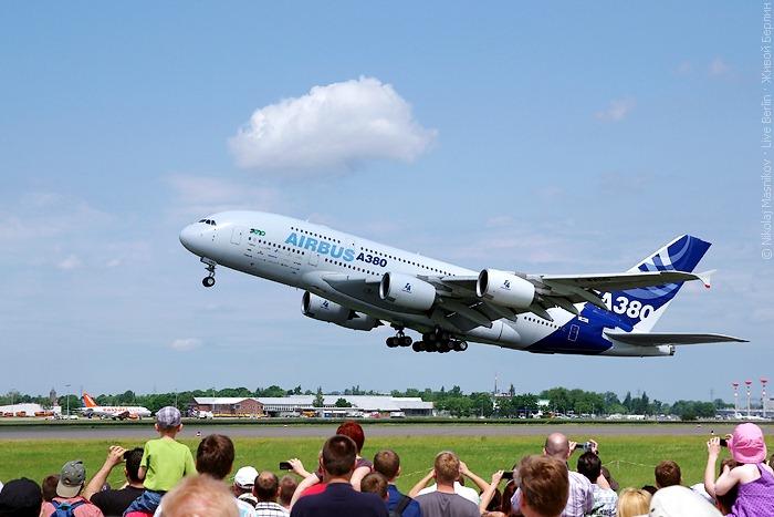 Airbus A380 наавиа-шоу ILA 2010