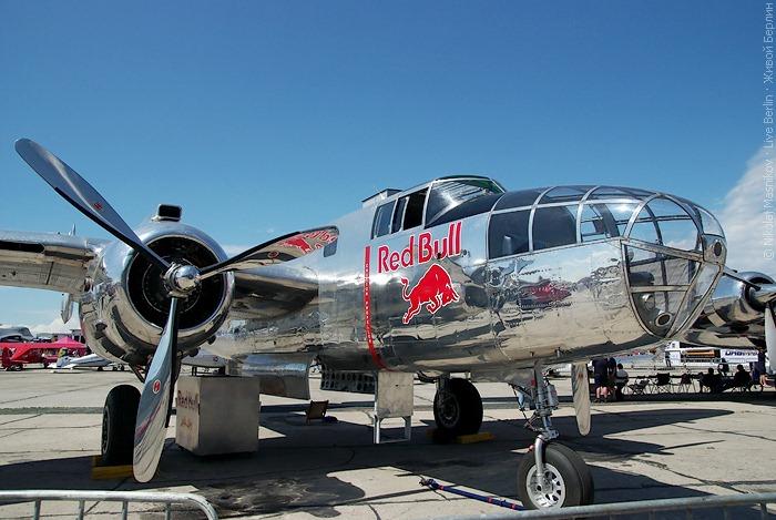 Red Bull на авиа-шоу ILA 2010